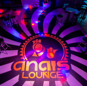 Anaia lounge